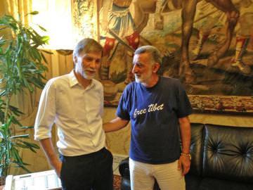 il sindaco di Messina, Renato Accorinti, insieme al ministro Graziano Delrio