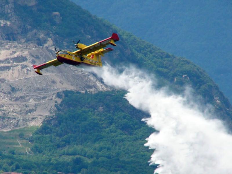 In fiamme la riserva di monte Cofano