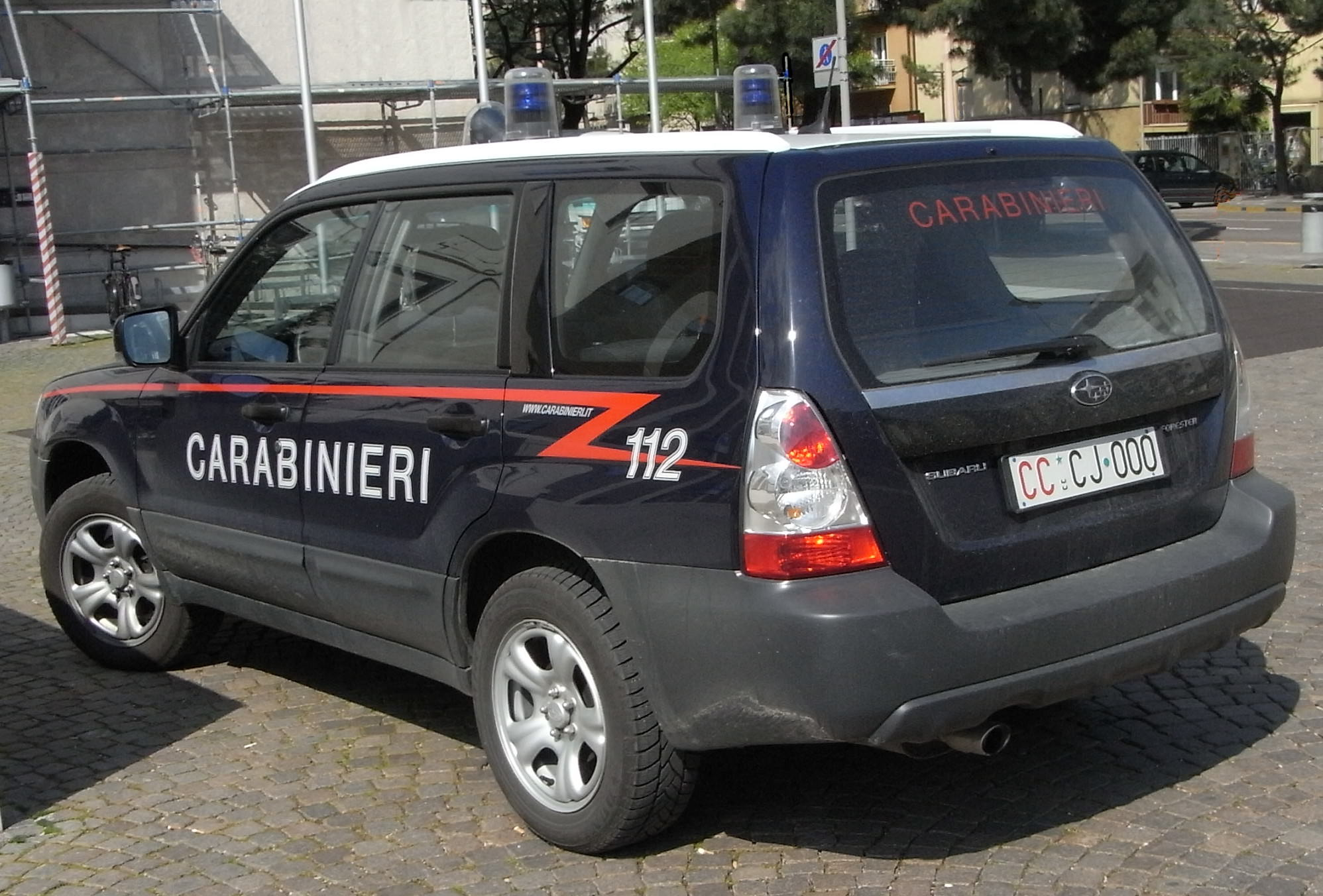 A spasso a San Cristoforo su auto rubata