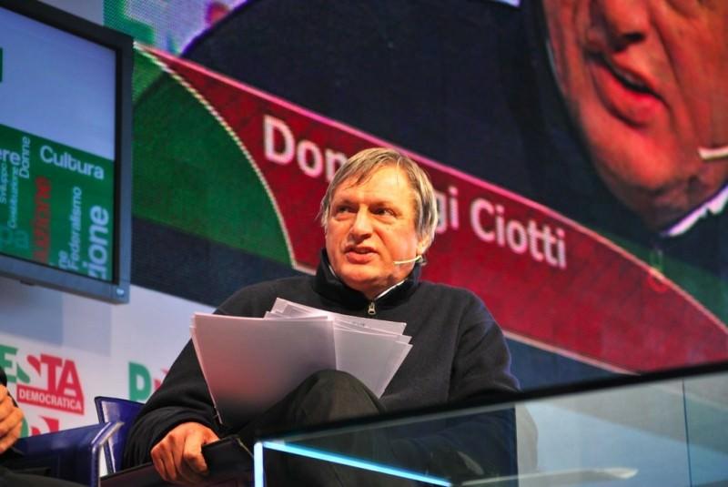 """La previsione di Don Ciotti: """"Avremo sorprese nel mondo dell'antimafia"""""""