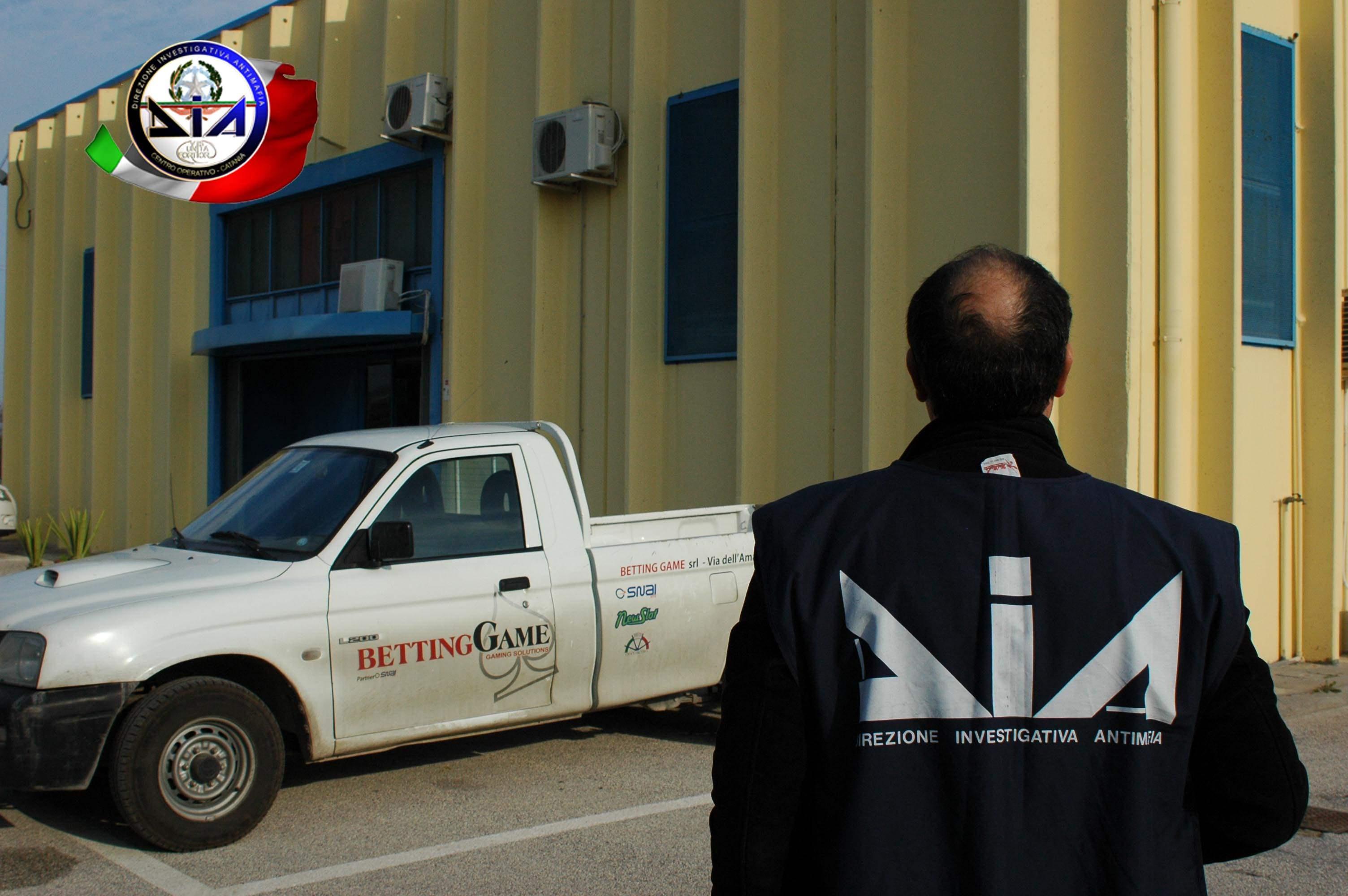 Mafia, confiscati beni a due imprenditori a Caltanissetta