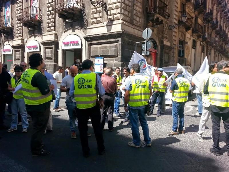 Catania, sit in dei sindacati di polizia