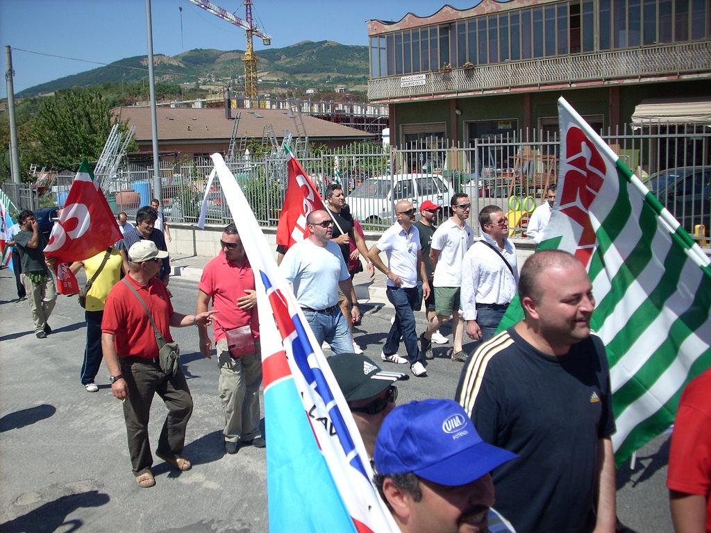Mercatone uno le sedi siciliane stanno per chiudere for Mercatone uno complementi d arredo