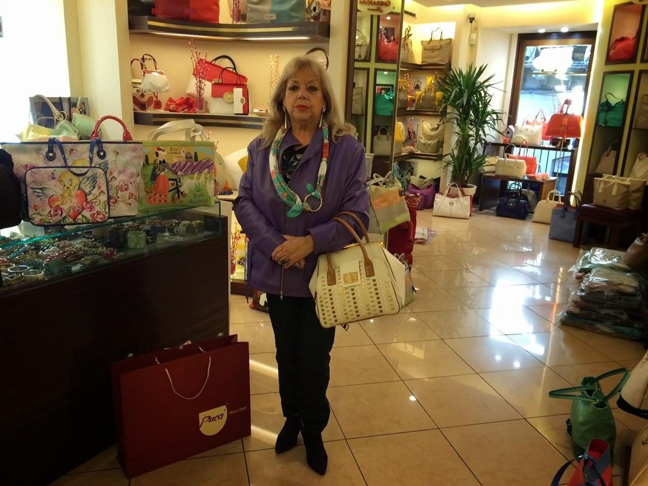 Arpista possiede oltre 300 borse Braccialini