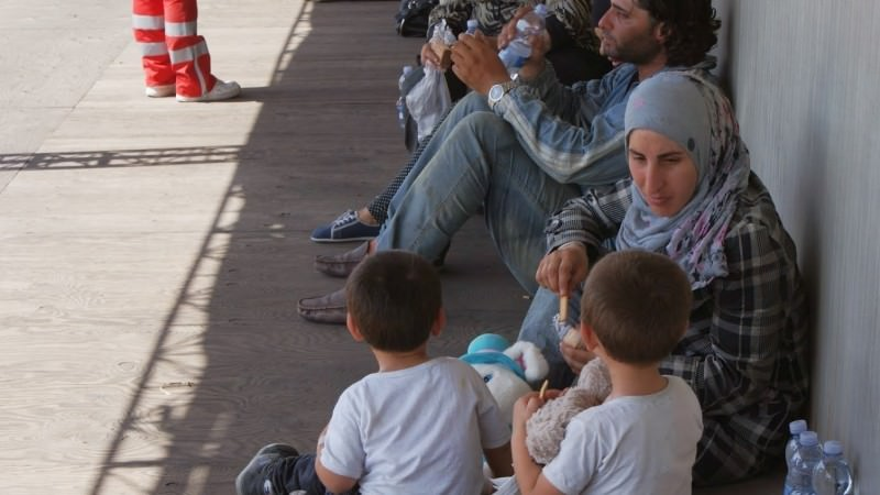 Migranti, a Catania sbarcano 80 minori