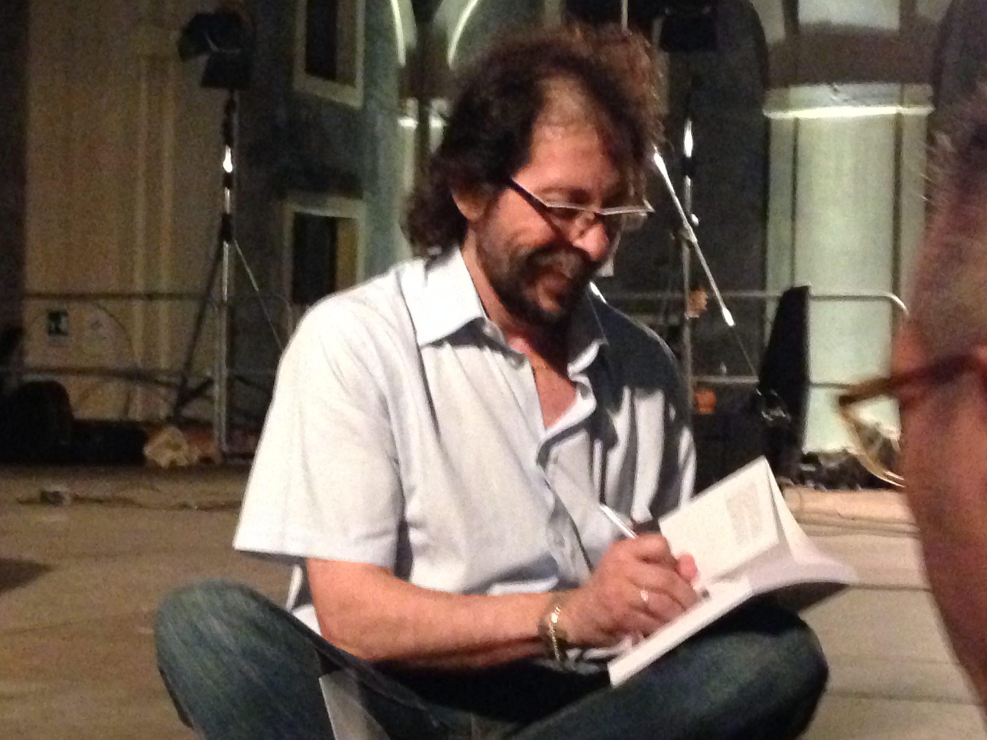 """""""… e distillando sogni"""": l'ultimo libro di Santino Mirabella."""