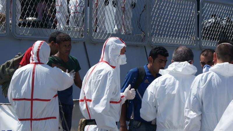 Sbarco di 181 profughi di Siria, Iraq e Palestina