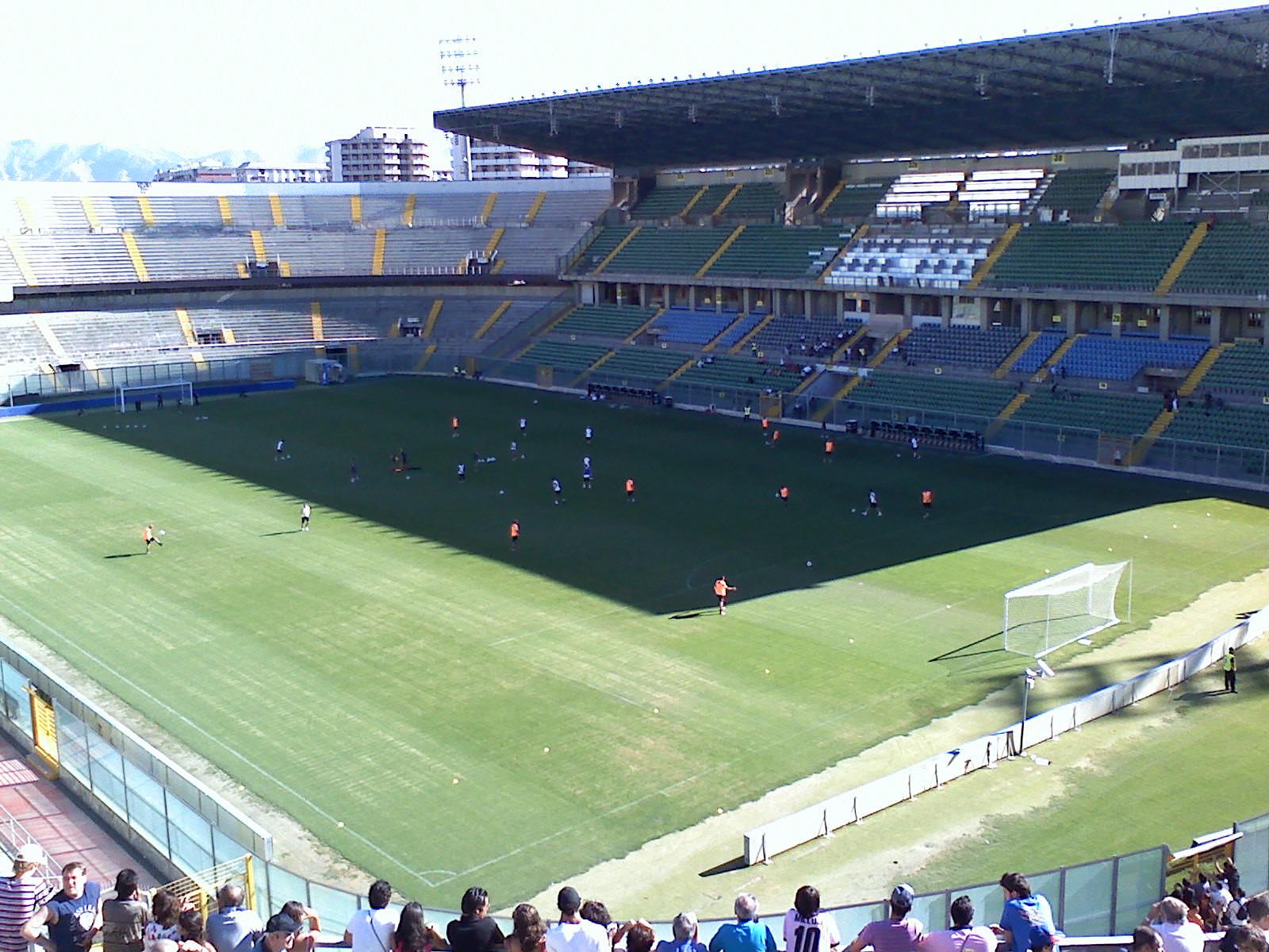 Palermo calcio, giocatore Under 17 positivo: sospesi allenamenti settore giovanile