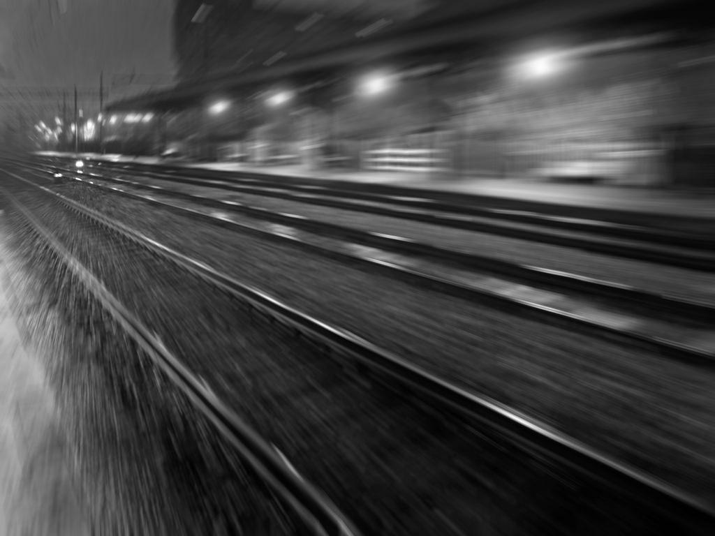 Falconara, tre operai travolti e uccisi da un treno