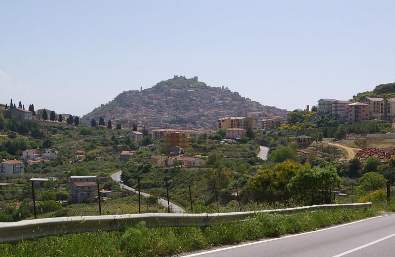 Agira: trovata una tomba pre-greca in un cantiere