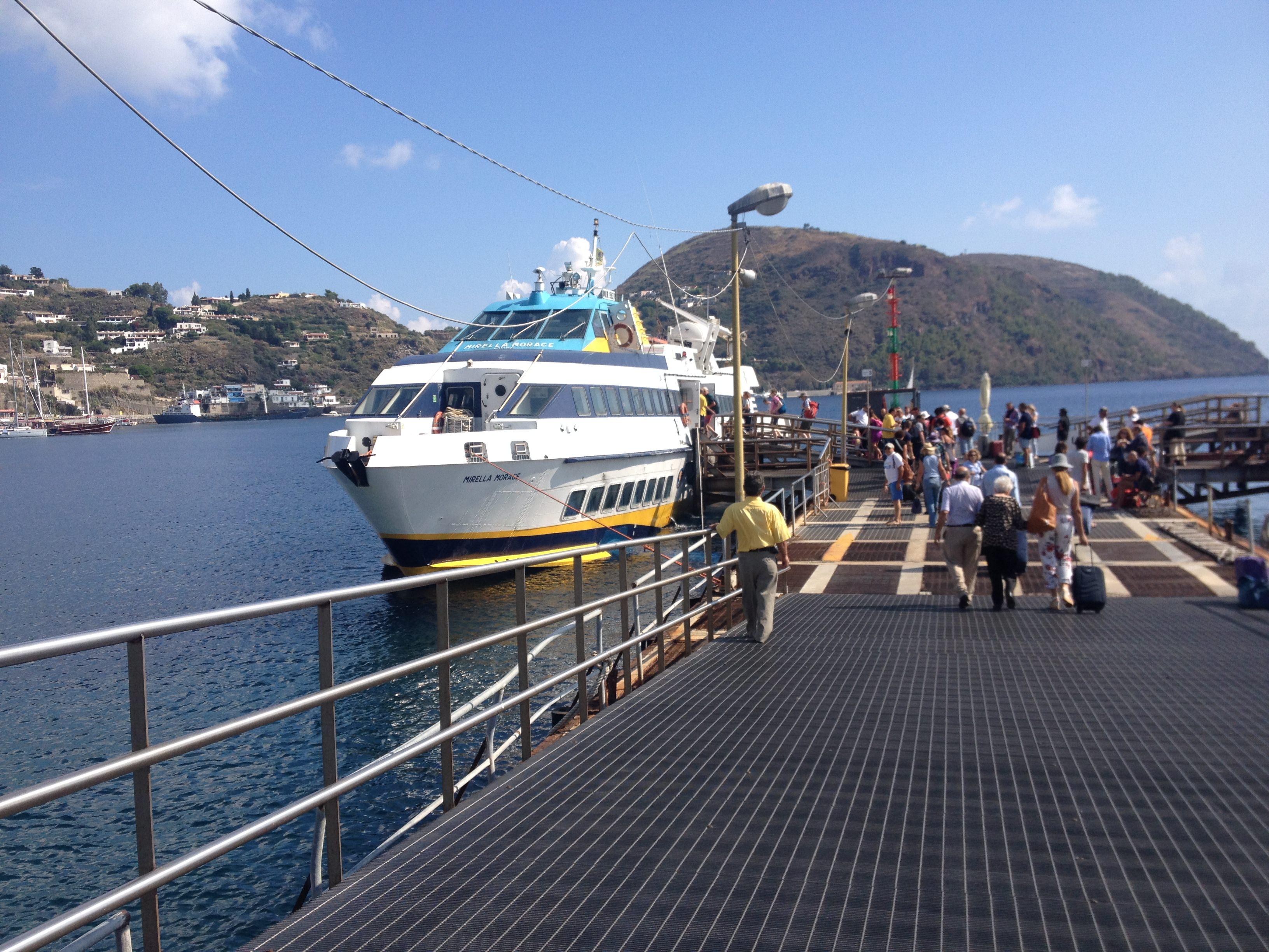 Ustica Lines: fino al 15 settembre tratte estive per le Egadi