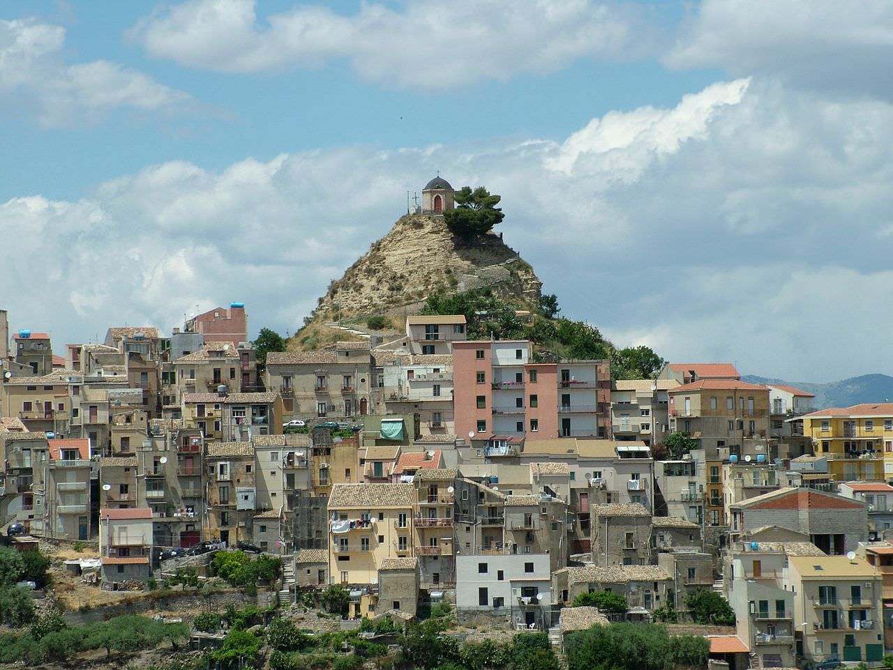 Covid Sicilia, triste primato per Centuripe: è il paese con il più basso numero di vaccinati