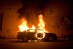 Carburante intorno all'auto e fiamme altissime: incendiata la macchina del sindaco Camarda