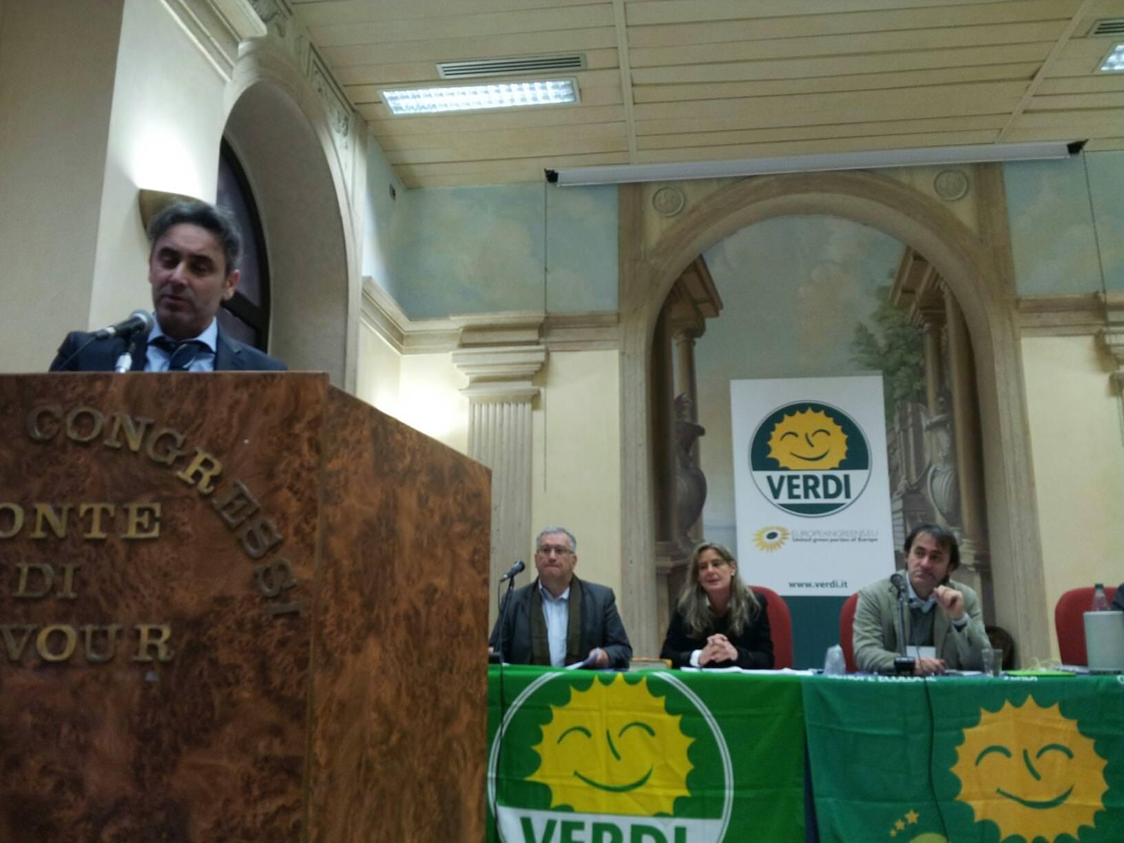 """Milazzo, azione legale contro la raffineria. I Verdi: """"Conseguenze disastrose"""""""