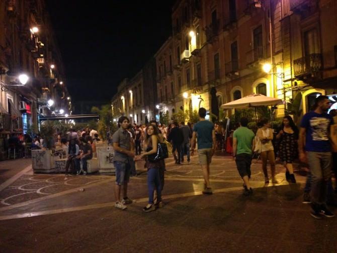 SIAP, centro storico di Catania: caos, degrado, Suv  e illegalità diffusa