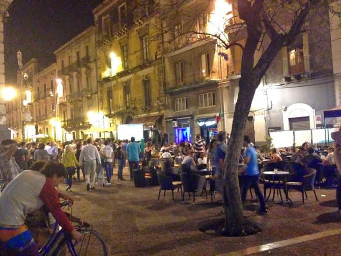 Catania, blitz dei carabinieri alla movida: arrestati spacciatori di droga