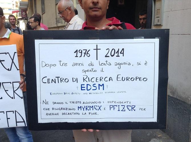 Myrmex manifestazione di protesta davanti al Palazzo Esa