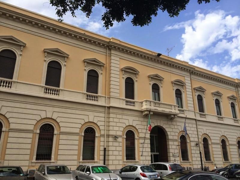 Ha lasciato l'ospedale: Roberto Russo rinchiuso a piazza Lanza