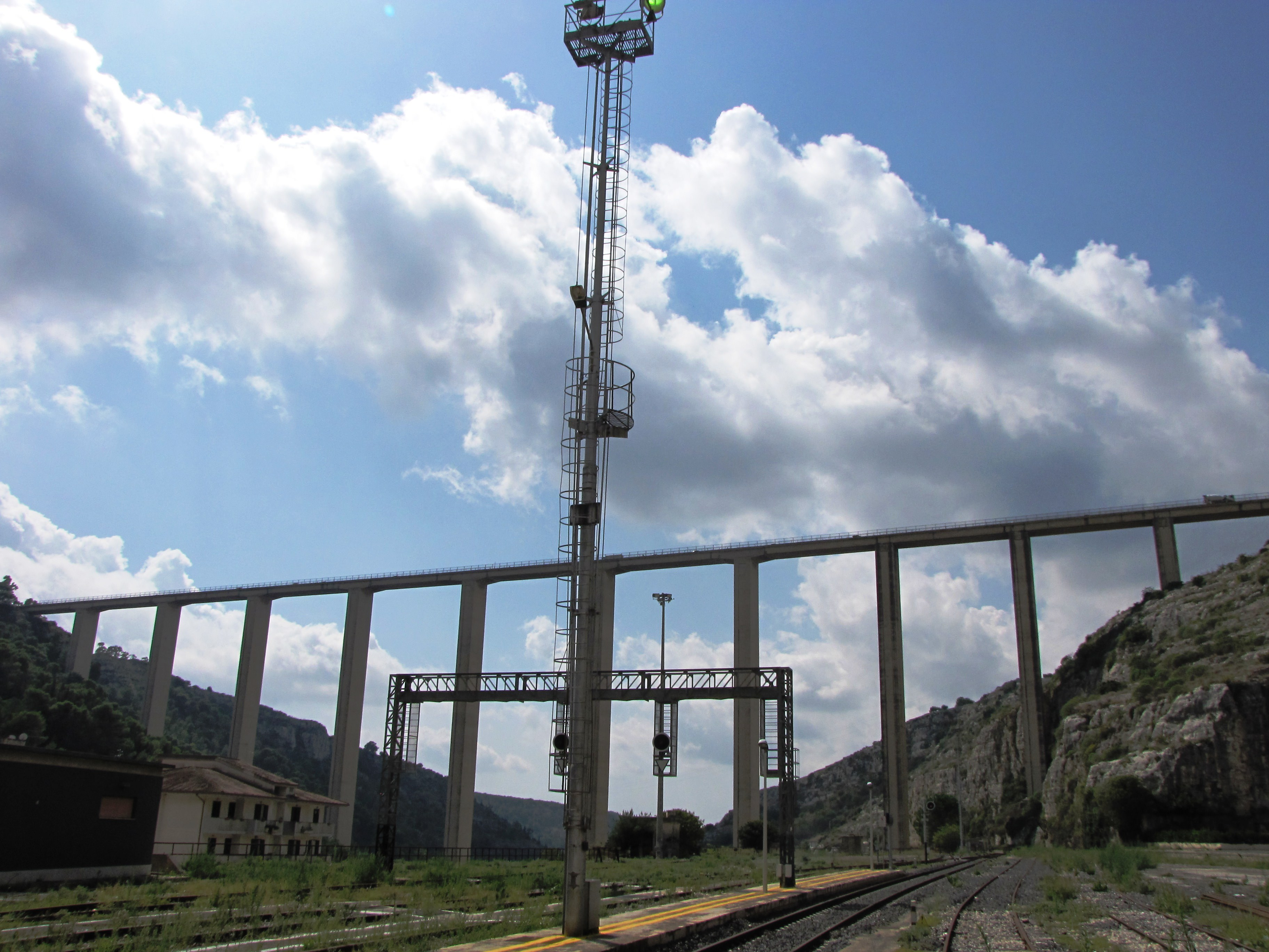 Modica: rinviata l'apertura del ponte Guerrieri