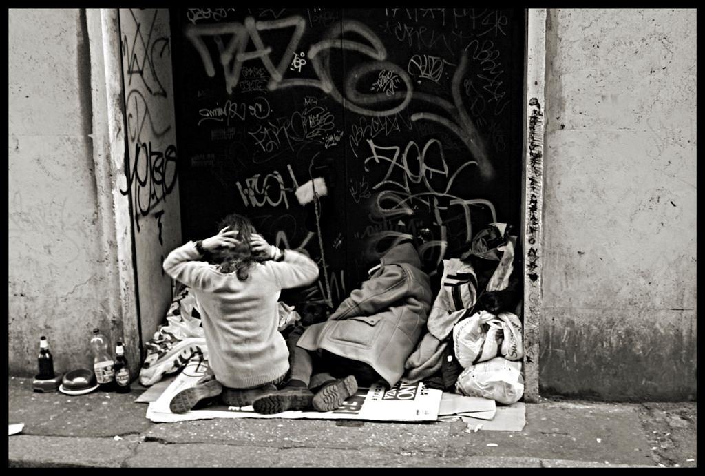 Povertà, è record in Italia: disoccupazione, disuguaglianze e disparità. Calabria e Sicilia le regioni peggiori