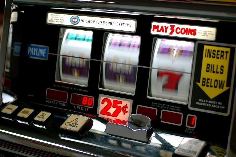 Le slot online stanno rubando la scena alle slot machines da bar, ecco il perché