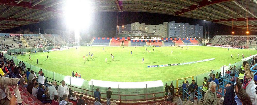 Crotone in serie A chiede di giocare a Catania