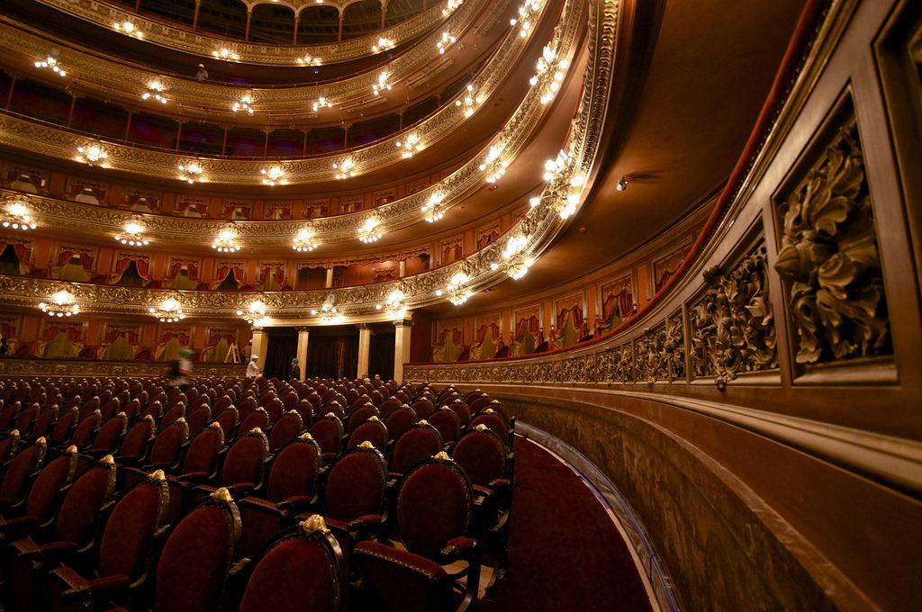 Truffa dei teatri siciliani, il Gip archivia l'indagine
