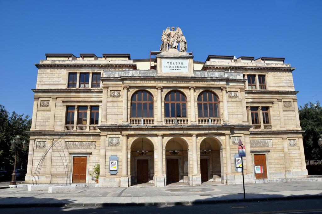 Messina, mostra di fumettisti pro migranti