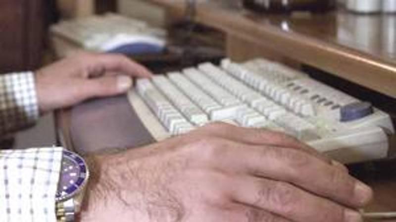 Modica, ricatto hard on-line. Dilaga la piaga sociale