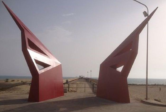 Sul pontile di Gela ritrovato basamento arcaico: incontro tra passato e presente
