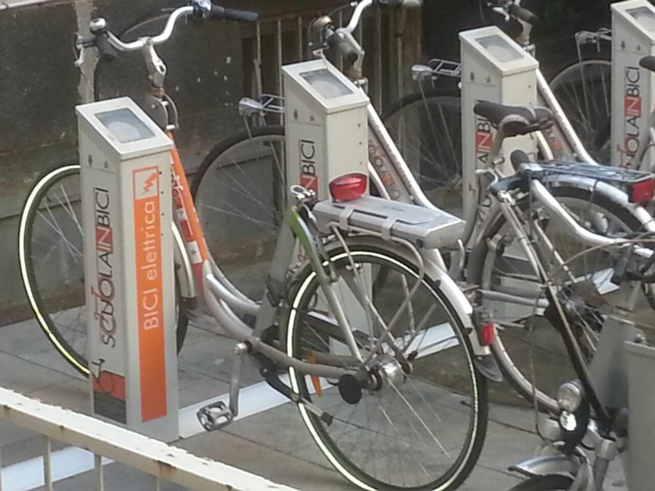 """Rubate nella notte le biciclette del """"Carsharing Bici Pa"""": la polizia le ritrova"""