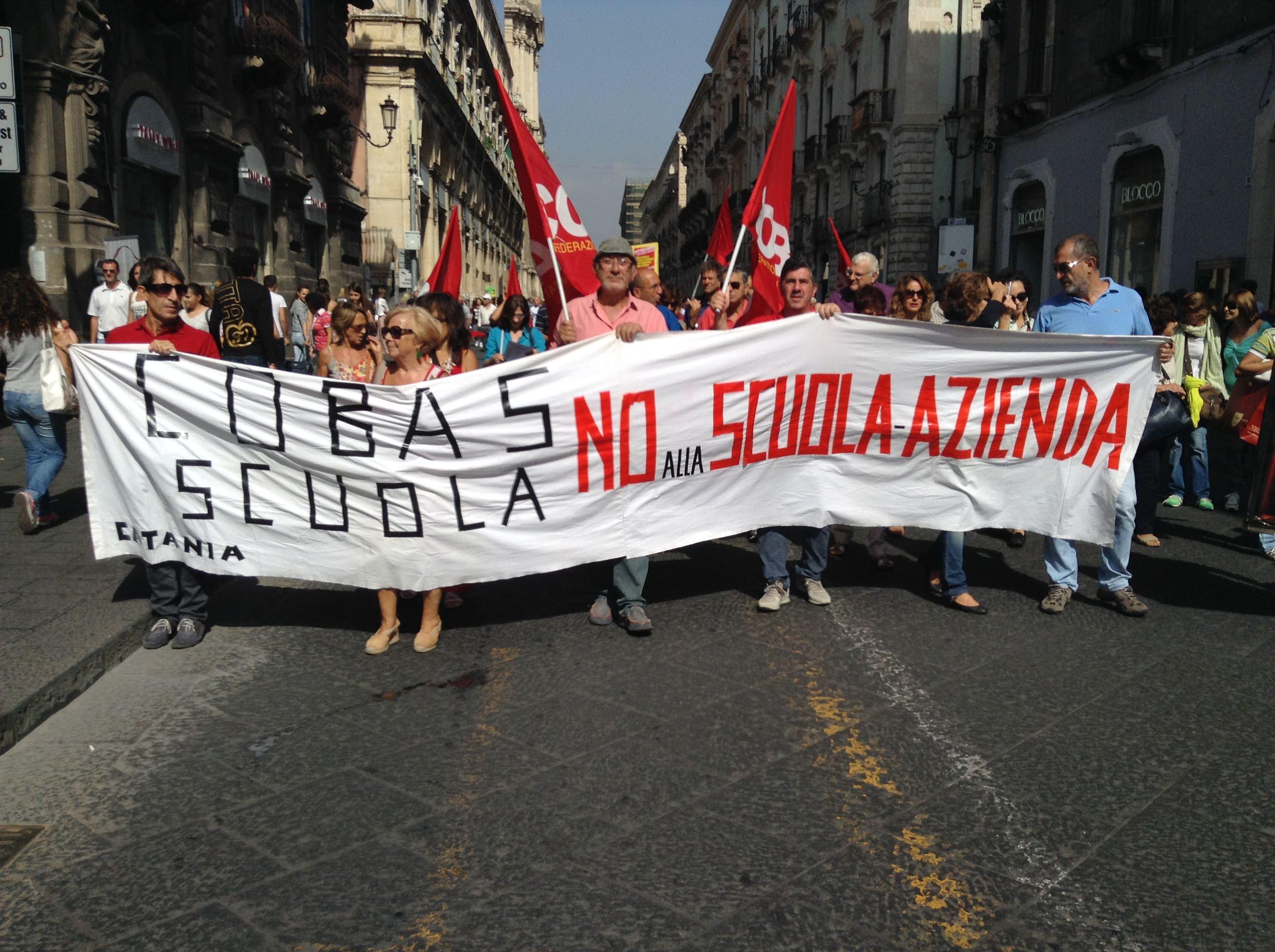 """""""Mai più torce umane"""", appello per La Fata agli studenti in sciopero a Catania"""