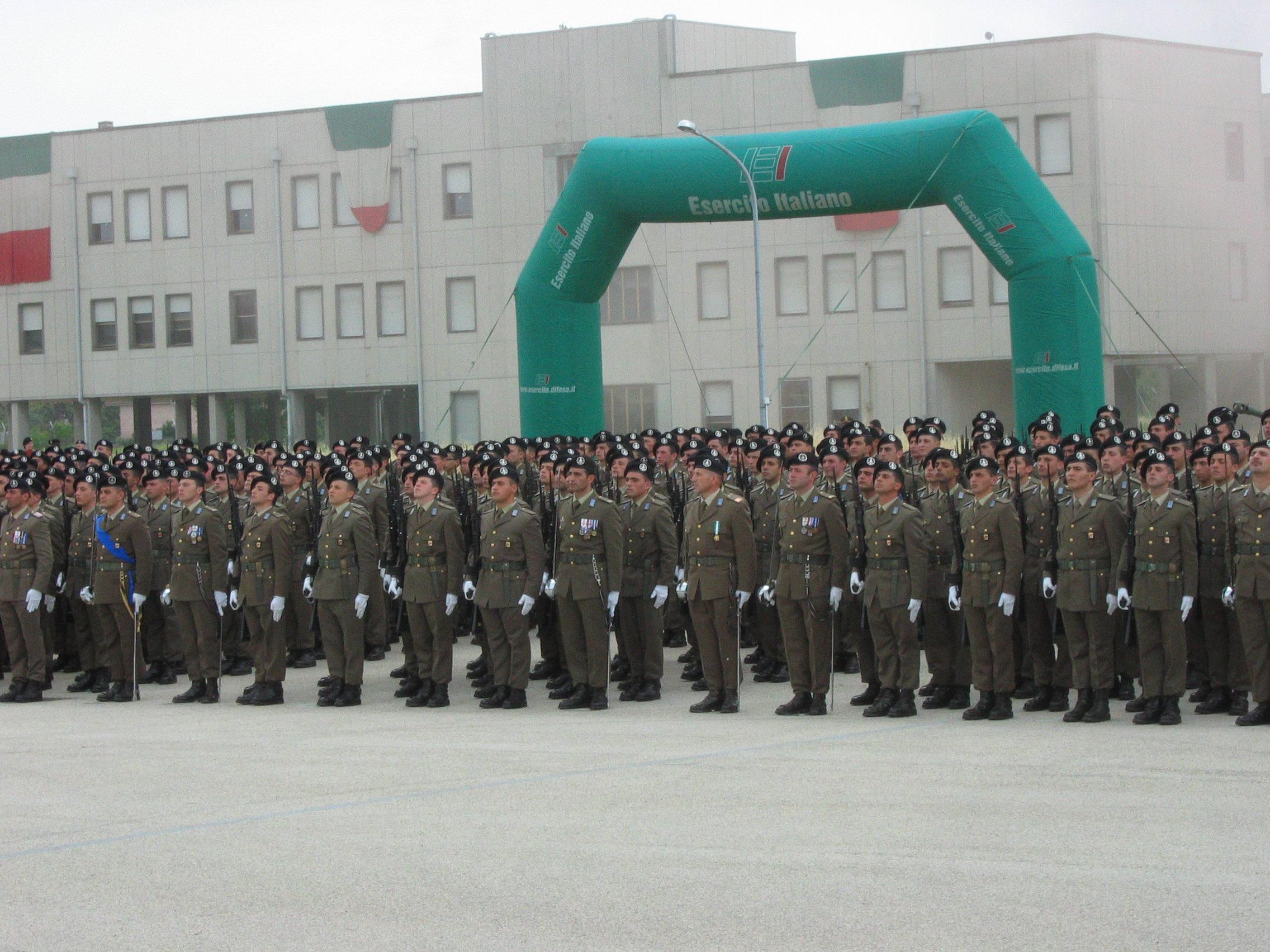 Lavoro, 7 mila posti nell'Esercito. Ecco il bando
