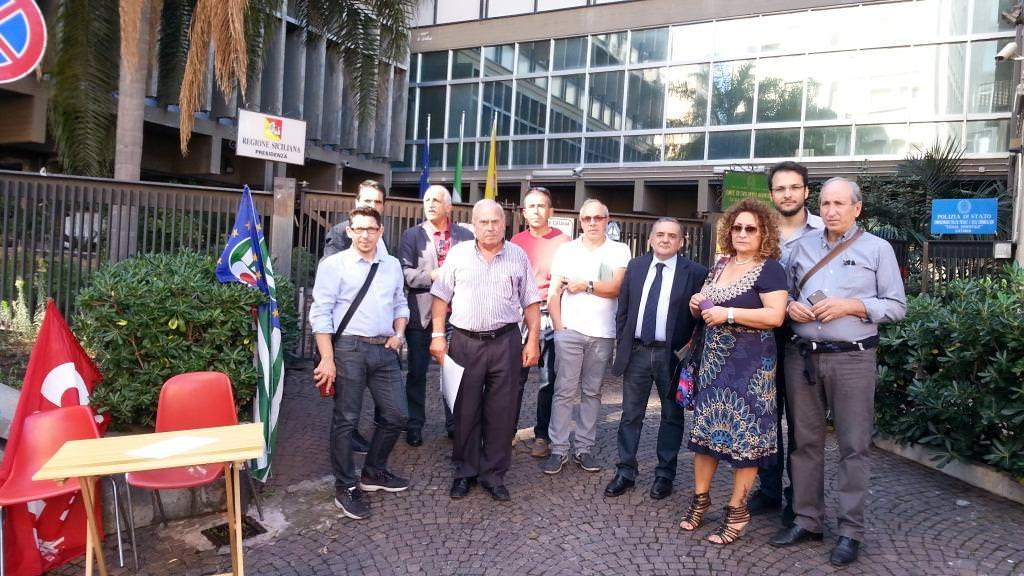 Forestali: la protesta arriva a Palermo
