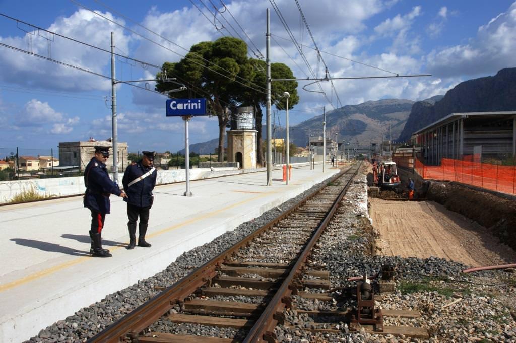 Smantellano binari della tratta Palermo – Trapani. Arrestati