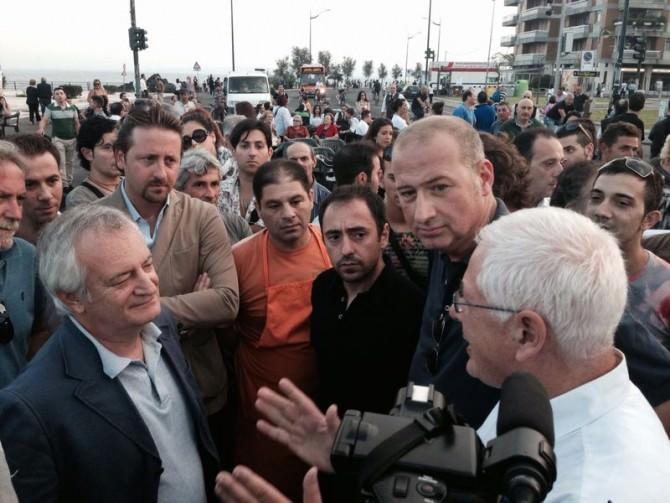 Catania, si estende protesta dei commercianti e scoppiano disordini