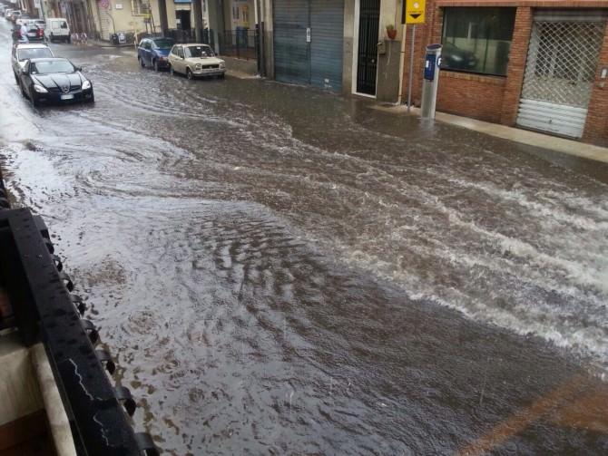 Breve ma intenso nubifragio a Catania