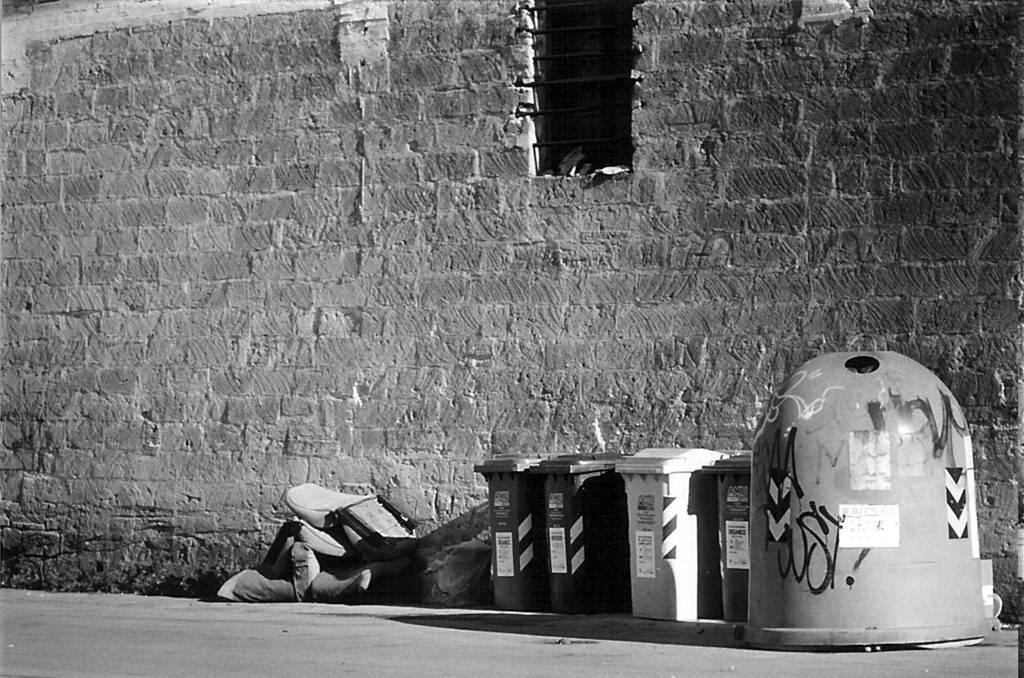 Leonforte, intimidazioni alla società di nettezza urbana