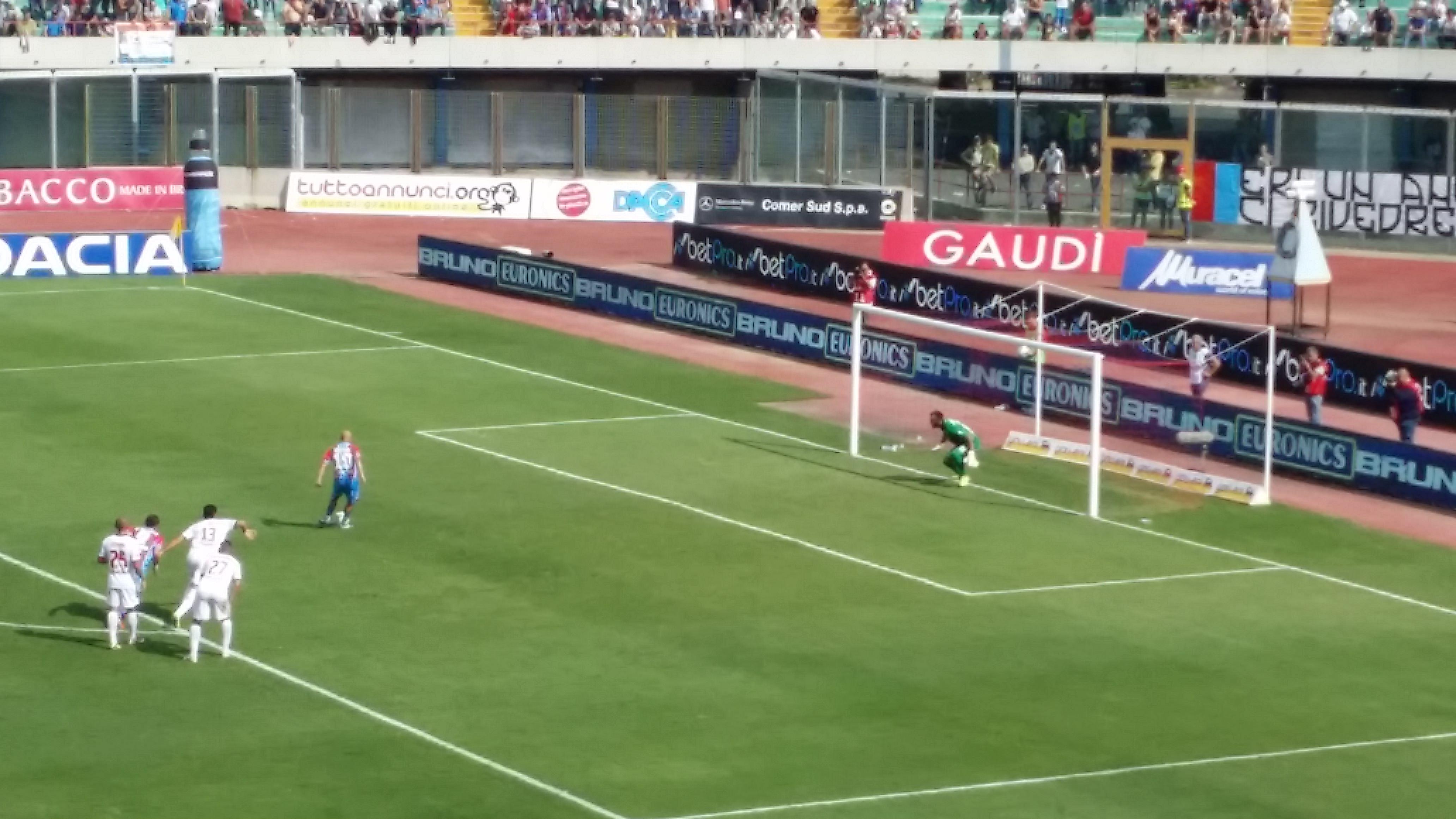 """Catania, difesa disastrosa ed il """"Galletto"""" canta"""