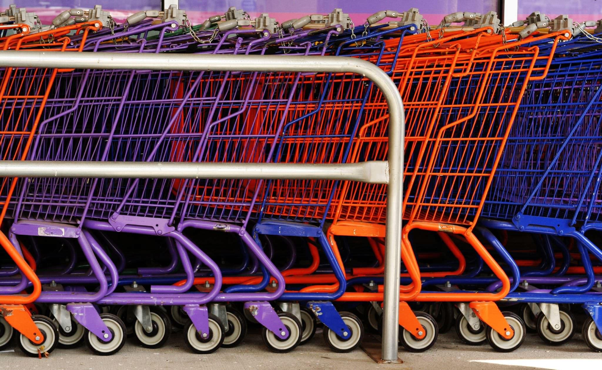 Covid Sicilia, allarme focolai nei supermercati. Intere famiglie ricoverate, tutta colpa dei carrelli