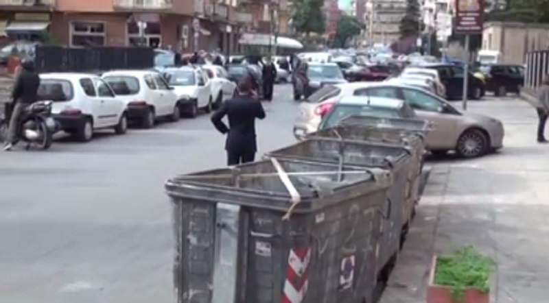 Si è consegnata ai Carabinieri la madre della neonata morta nel cassonetto
