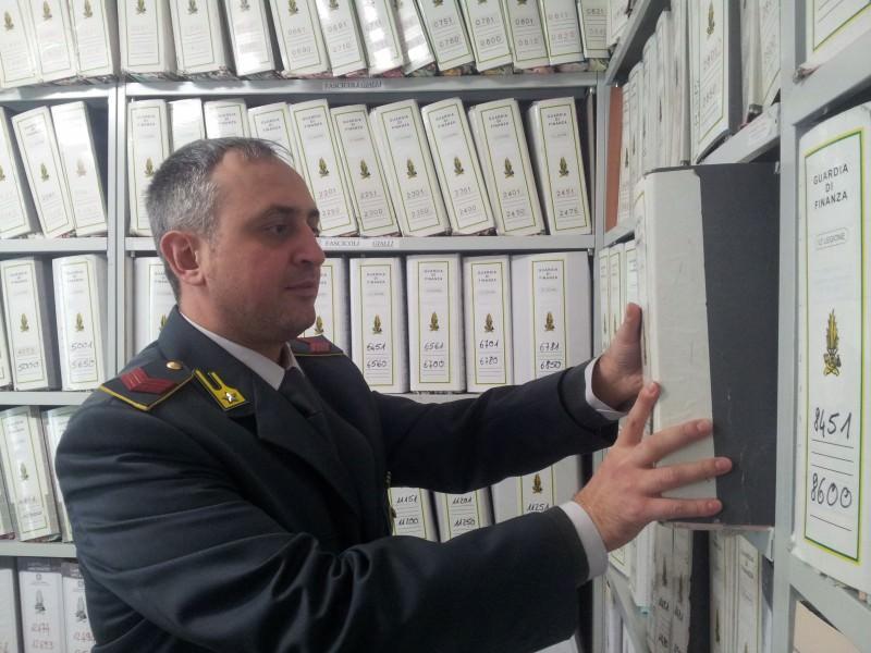 """Pasticceria e gelateria con identificativo fiscale di ente no profit: 18 mila euro di multa a """"bar fantasma"""""""