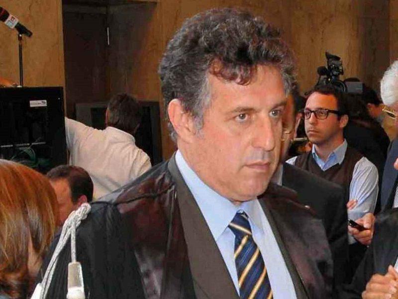 Scorta Civica sostiene Nino Di Matteo: striscione a Palazzo delle Aquile