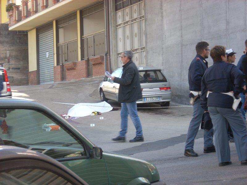 Agguato ad Adrano: ucciso un uomo davanti casa