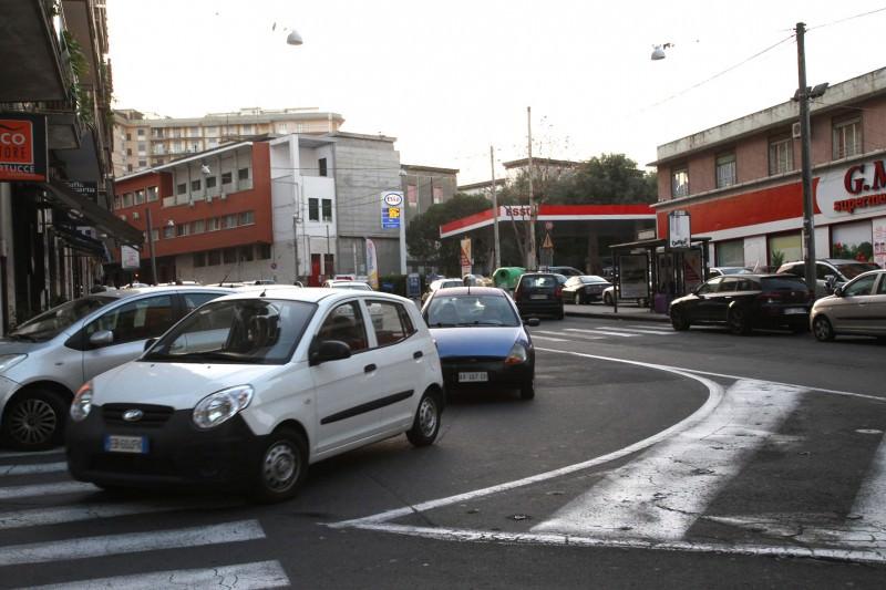 Catania, traffico e degrado attorno a piazza Lanza