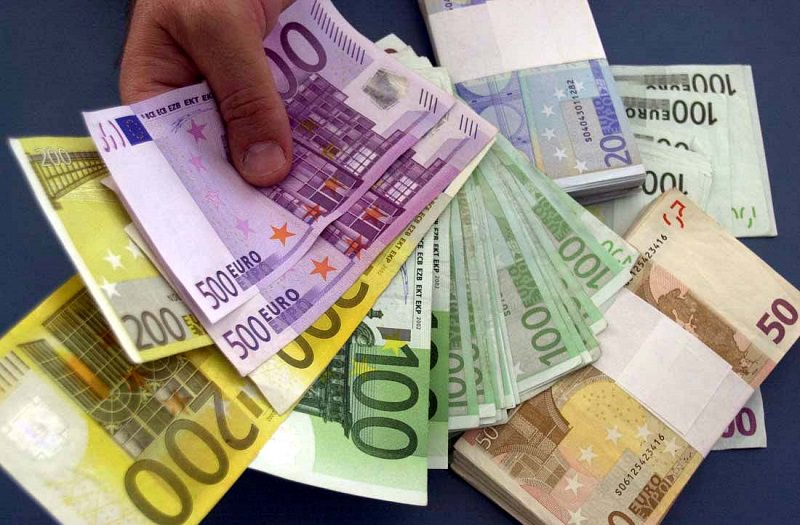 Messina, usuraia impone pagamento di oltre 7mila euro a un'impiegata: arrestata
