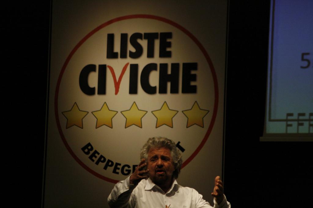 Beppe Grillo dal suo blog chiede le dimissioni di Bianco