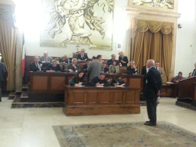 Catania, Pua approvato con emendamenti dell'opposizione: schiaffo all'amministrazione