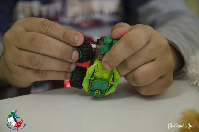 Illegalità a Librino: cosmetici e giocattoli senza CE in negozio cinese, lavoro in nero, evasione fiscale. Multe per 56mila euro