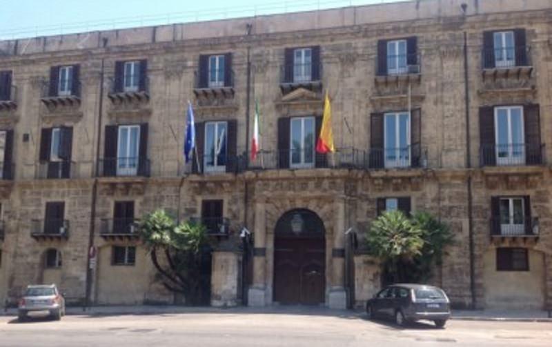 Emergenza rifiuti a Palermo. Duello Crocetta – Orlando